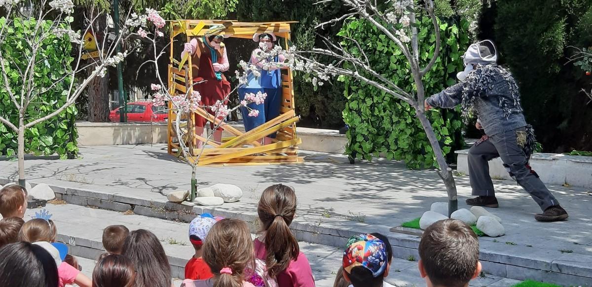 Представления на Държавен куклен театър Варна