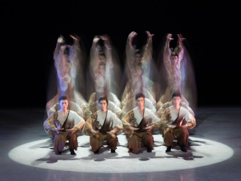 Dansul clasic chinez FENG MO