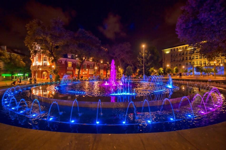 Les fontaines sur la place Nezavisimost