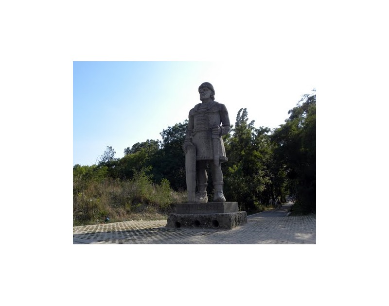 Парк Аспарухово - паметник на Хан Аспарух