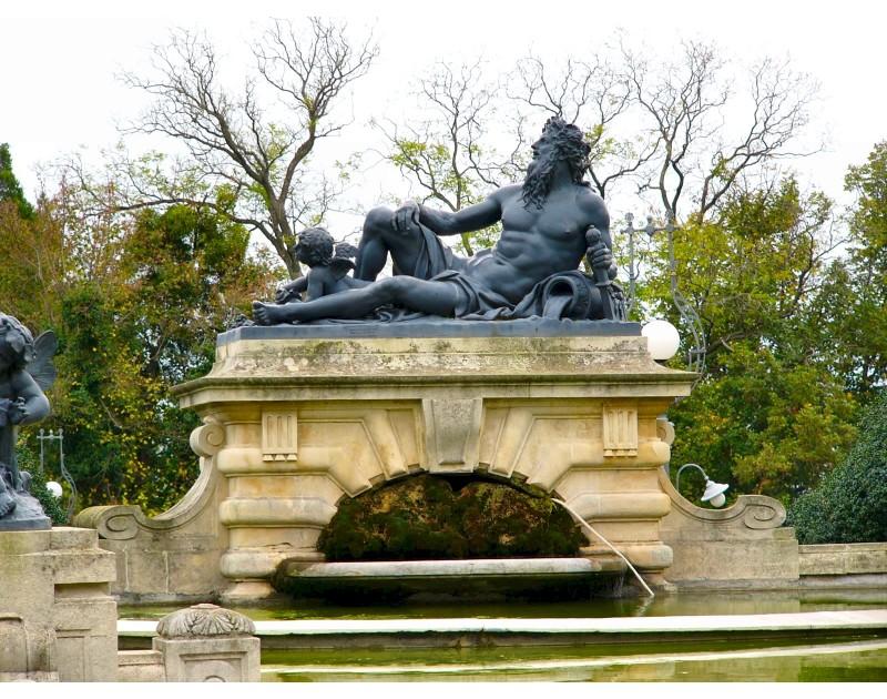Резиденция Евксиноград - статуя на Нептун