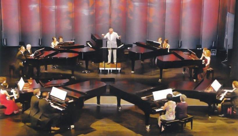 8 Klaviere Konzert