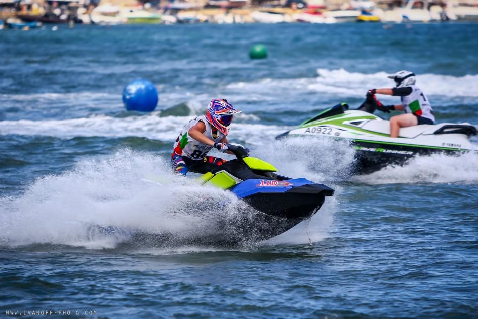 Воден фест и състезание с джетове