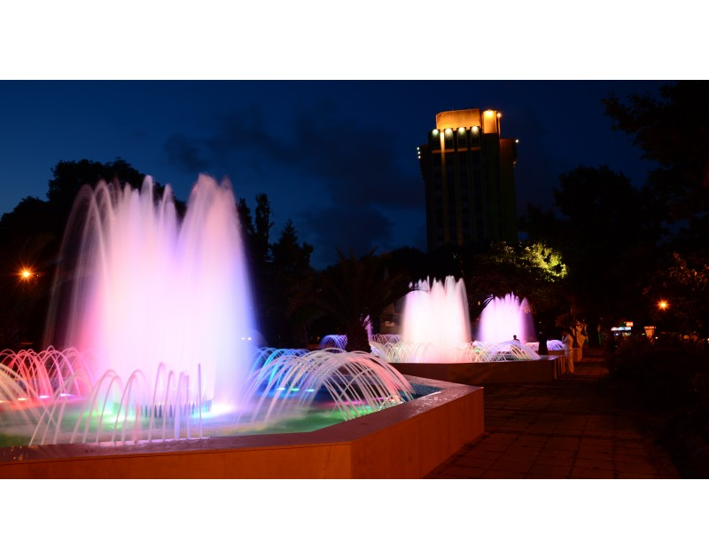 La fontaine entre la Municipalité de Varna et le Musée Archéologique