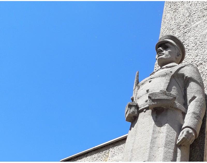 Monument-portail de 8e régiment de la marine