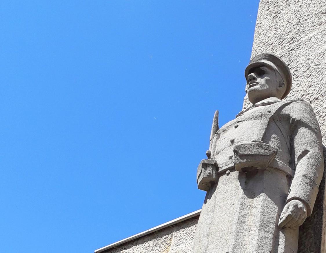 паметник Осми Приморски полк - Варна