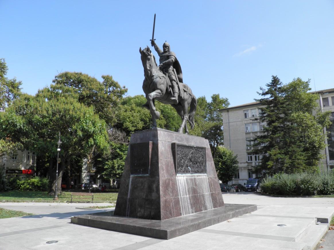 Паметник на цар Калоян - Варна