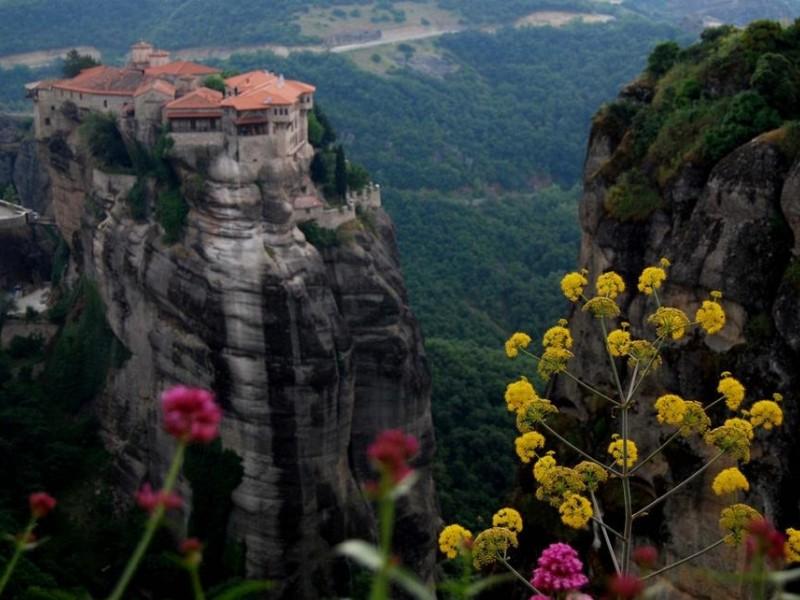 Екскурзия в Гърция : Кавала – Солун – Метеора  тръгване от Добрич, Варна и Бургас