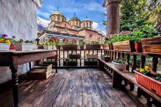Екскурзия до Рилски манастир-Рупите-Роженски манастир-Мелник от Варна през Май