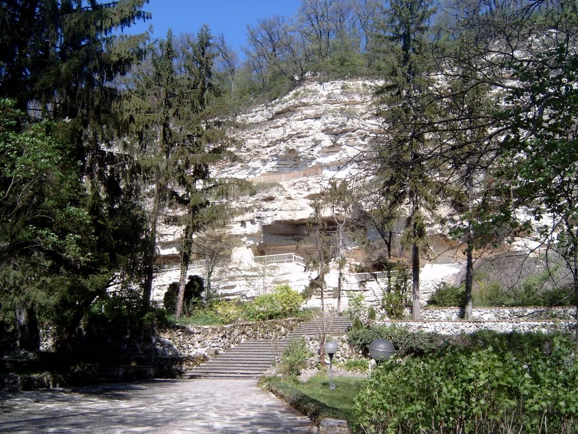 Le monastère Aladzha