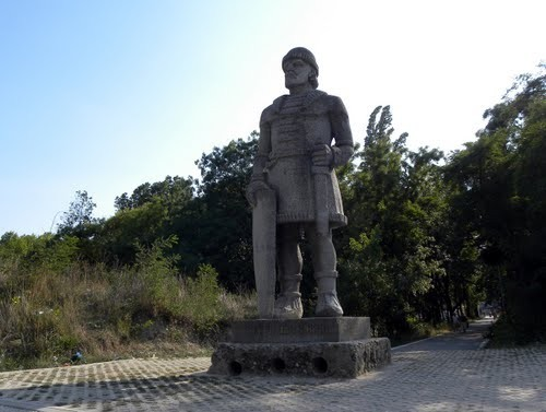 Паметник на хан Аспарух и Аспаруховия войн